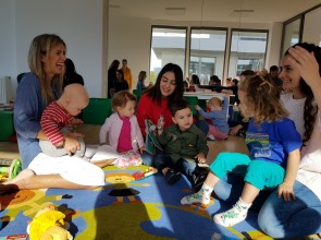 Parent and toddler Groups: Happy children- happy Parents!